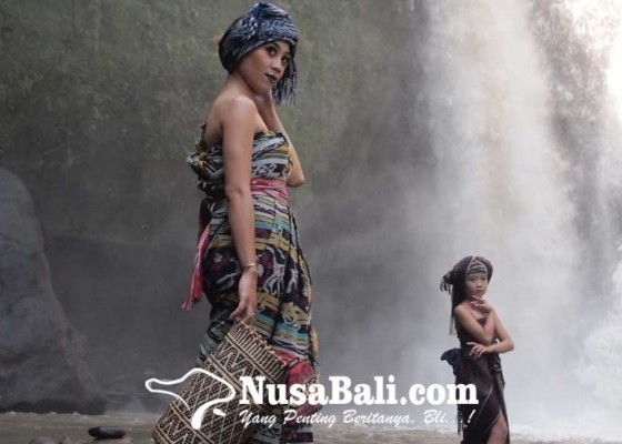 Nusabali.com - perkenalkan-rancangan-kain-tenun-asli-nusantara-termasuk-endek-bali