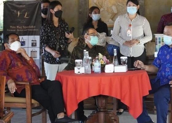 Nusabali.com - ibmm-universitas-warmadewa-dukung-umkm-lewat-melali-lali-sanur