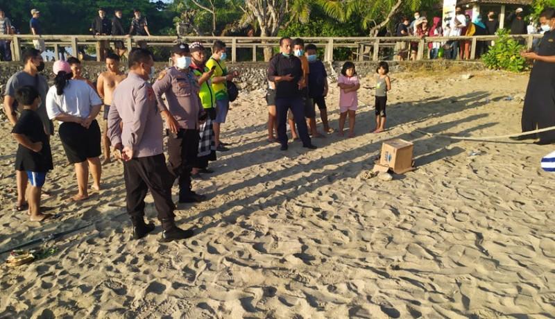 www.nusabali.com-petugas-kebersihan-temukan-orok-ngambang-di-pantai-sanur