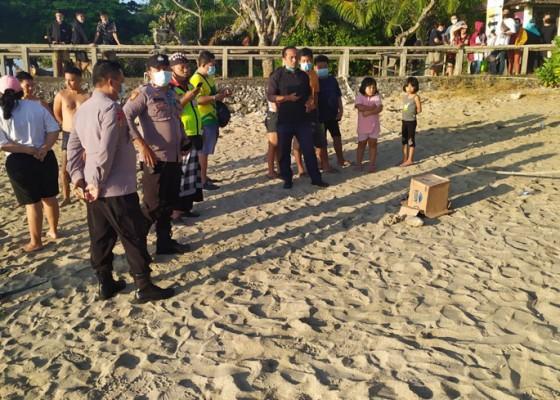 Nusabali.com - petugas-kebersihan-temukan-orok-ngambang-di-pantai-sanur