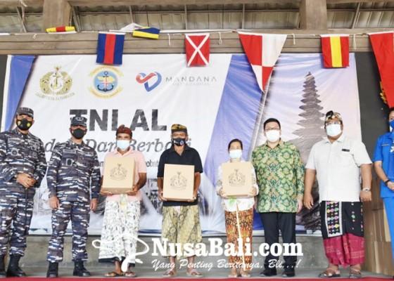 Nusabali.com - karya-bakti-tni-al-gelar-baksos-dan-cek-kesehatan-gratis