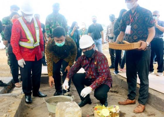 Nusabali.com - wagub-cok-ace-letakkan-batu-pertama-pembangunan-gedung-universitas-terbuka