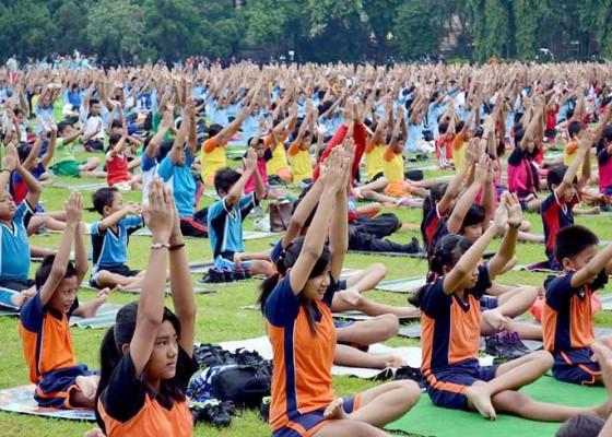 Nusabali.com - kesehatan-yoga-warisan-dunia-menyehatkan-lahir-dan-batin