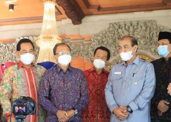 Nusabali.com - gubernur-koster-hibahkan-aset-tanah-gedung-dpd-ri