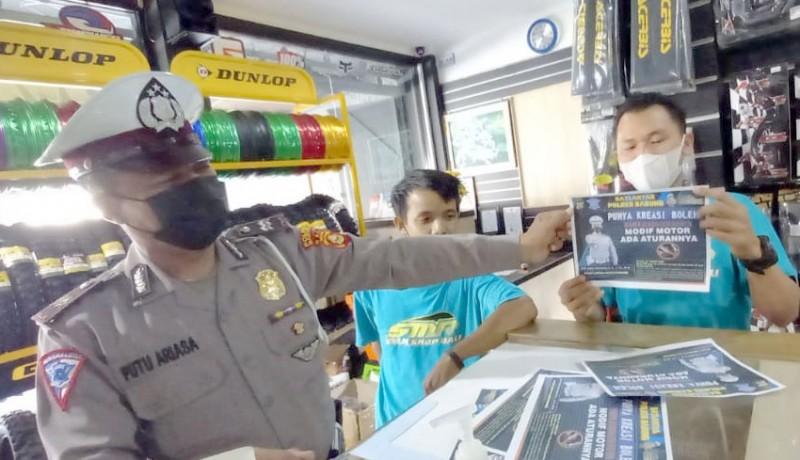 www.nusabali.com-polisi-sosialisasi-larangan-knalpot-brong-ke-bengkel