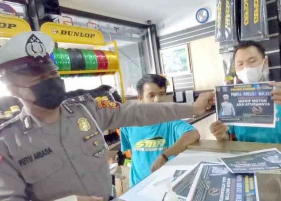 Nusabali.com - polisi-sosialisasi-larangan-knalpot-brong-ke-bengkel