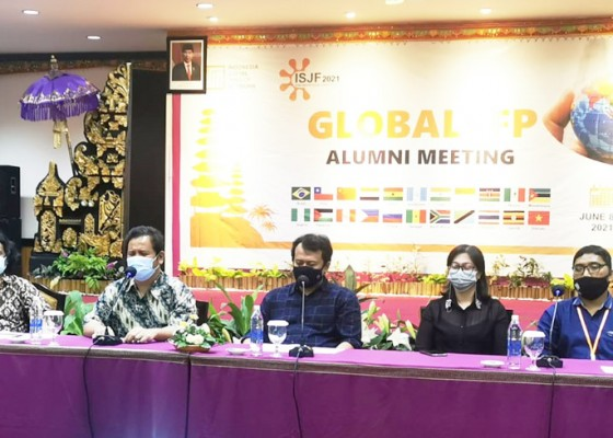 Nusabali.com - alumni-ifp-se-dunia-kolaborasi-wujudkan-keadilan-sosial-di-masa-pandemi