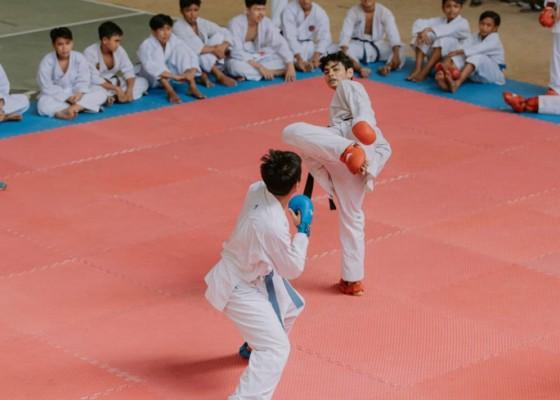 Nusabali.com - dua-karateka-meningkat-tajam