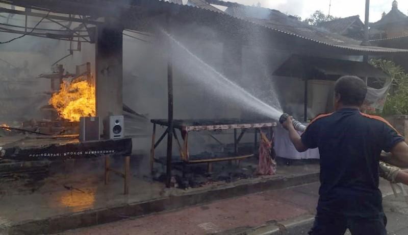 www.nusabali.com-diduga-tabung-gas-meledak-warung-terbakar