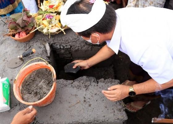 Nusabali.com - bupati-suwirta-resmikan-pembangunan-tps3r-akah