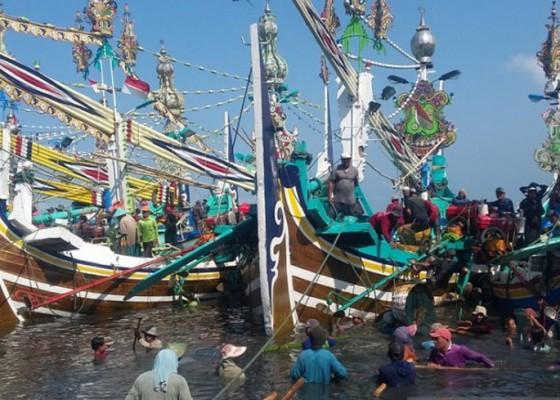 Nusabali.com - nelayan-jembrana-keluhkan-harga-solar