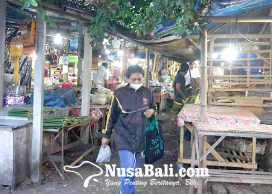 Nusabali.com - pedagang-pasar-senggol-subagan-pakrimik