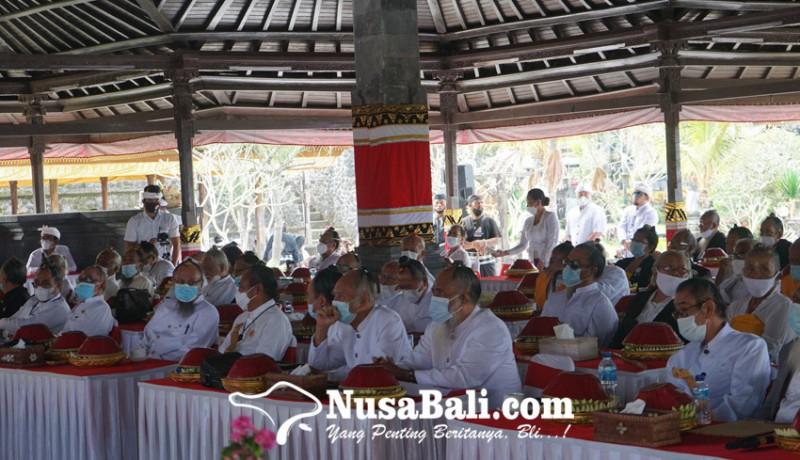 www.nusabali.com-para-sulinggih-wajib-nguncar-mantra-sakti-cegah-covid-19