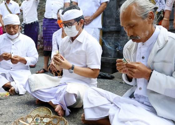 Nusabali.com - adi-arnawa-ajak-krama-berdoa-supaya-covid-19-cepet-berlalu