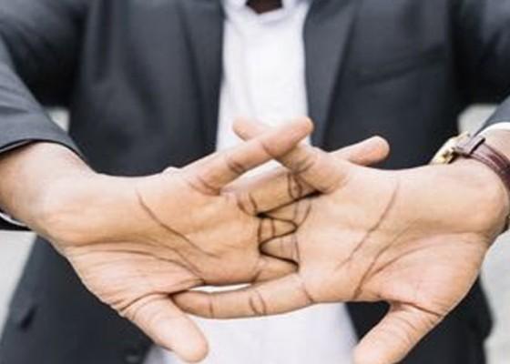 Nusabali.com - kesehatan-peregangan-teratur-ketika-jemari-nyeri