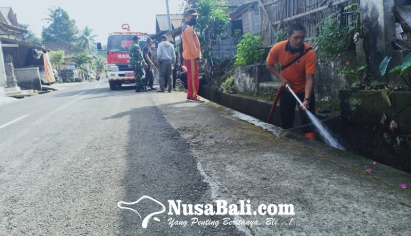 www.nusabali.com-warga-buang-limbah-got-bau-busuk