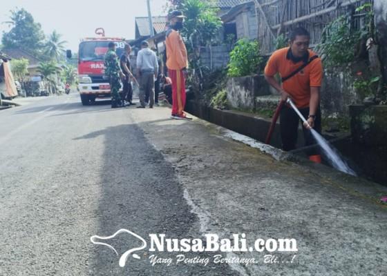 Nusabali.com - warga-buang-limbah-got-bau-busuk