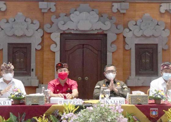 Nusabali.com - bupati-cegah-pengurus-lpd-tersandung-hukum