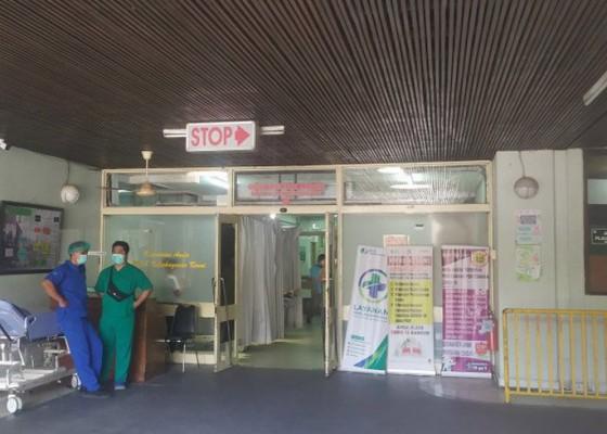 Nusabali.com - rsup-sanglah-rawat-intensif-narapidana-perempuan-minum-disinfektan-campur-serbuk-jeruk