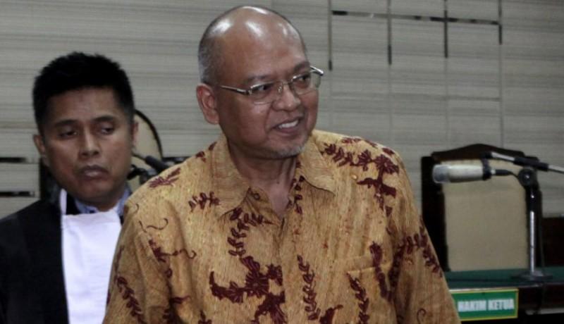 www.nusabali.com-kpk-jebloskan-mantan-bupati-malang-rendra-kresna-ke-lapas-surabaya