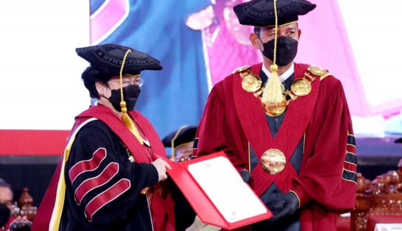www.nusabali.com-megawati-resmi-sandang-gelar-profesor-kehormatan