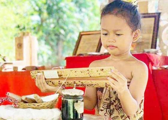 Nusabali.com - siswa-tk-antusias-ikut-lomba-foto-aku-dan-kotaku