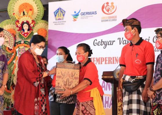 Nusabali.com - putri-koster-pastikan-lansia-terlayani-vaksinasi