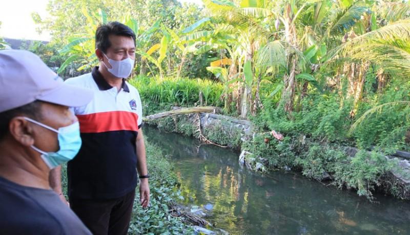 www.nusabali.com-normalisasi-sungai-candigara-gunakan-ekskavator-amphibi
