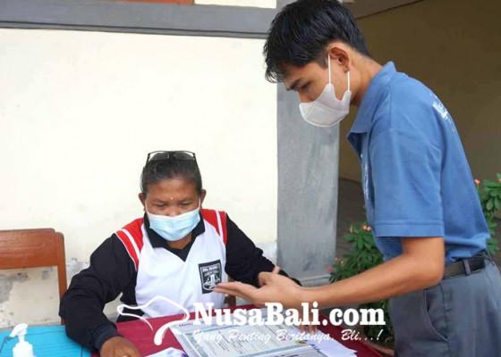Nusabali.com - siswa-sma-terima-ijazah