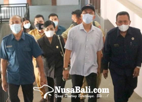 Nusabali.com - dewan-temukan-pasar-banyuasri-sepi-pengunjung