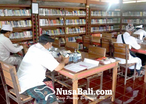 Nusabali.com - pengadaan-buku-perpustakaan-pura-besakih-kena-refocusing