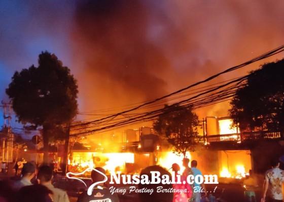 Nusabali.com - pasar-blahbatuh-terbakar-629-kios-ludes