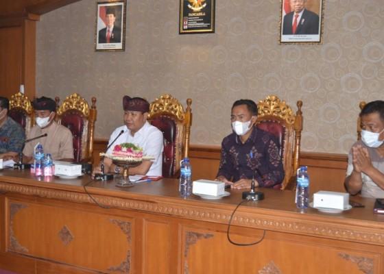 Nusabali.com - vaksinasi-1002-peserta-ditarget-tuntas-sehari