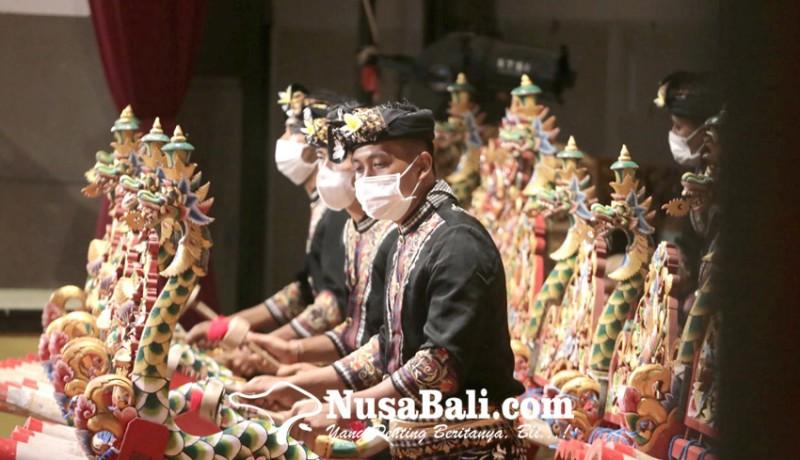 www.nusabali.com-tampil-apik-seni-jegog-menggema-di-arena-pkb-xliii