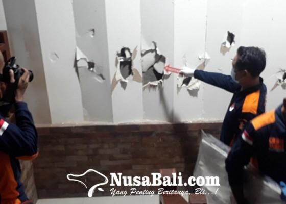 Nusabali.com - peredam-gedung-auditorium-jembrana-dirusak