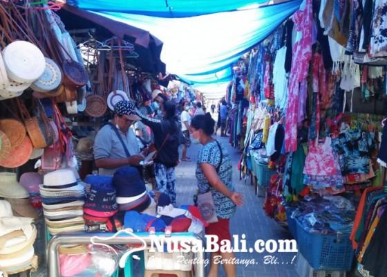 Nusabali.com - pedagang-cenderamata-pantai-sanur-sudah-bisa-bernafas