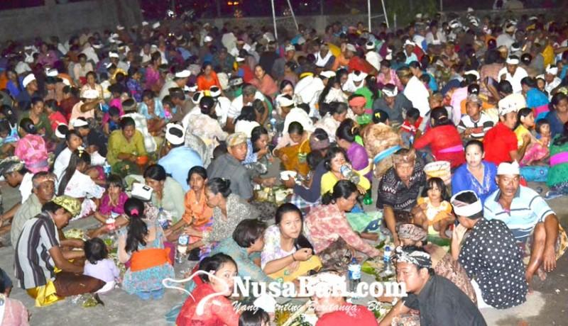 www.nusabali.com-termasuk-tradisi-mecakcakan-dan-tradisi-saba-malunin