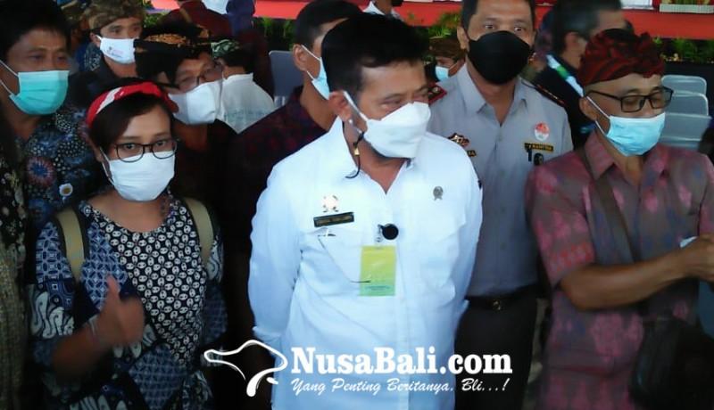 www.nusabali.com-menteri-pertanian-bagikan-pupuk-hayati-cair-di-gianyar-ajak-bali-bangkit-lewat-pertanian