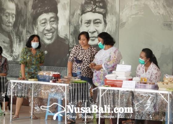 Nusabali.com - koperasi-perempuan-katrisma-mandiri-gelar-pameran-produk-umkm