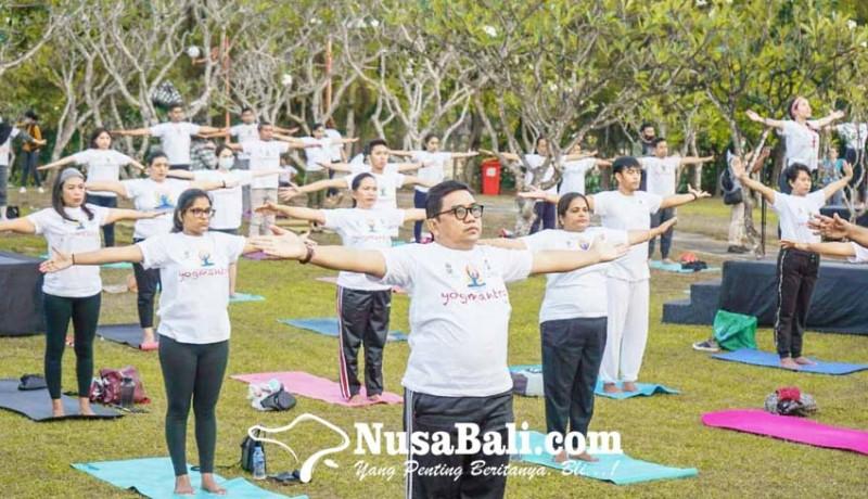www.nusabali.com-150-orang-antusias-ikuti-kegiatan-yoga