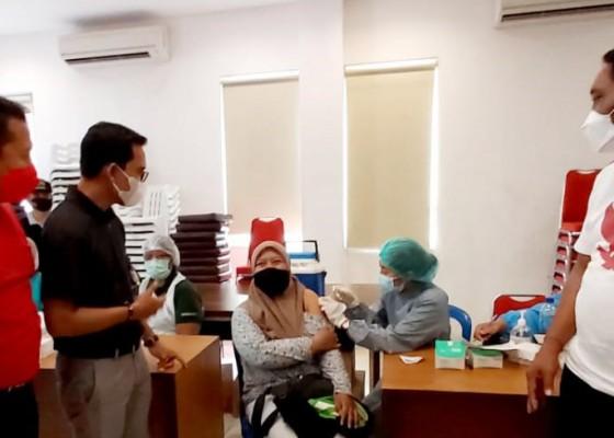 Nusabali.com - gky-kuta-bali-gelar-vaksinasi-covid-19-undang-pelaku-pariwisata-dan-masyarakat-legian