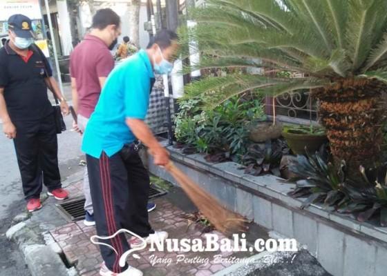 Nusabali.com - gotong-royong-peringati-bulan-bung-karno-di-hari-kerja-redupkan-antusias-warga
