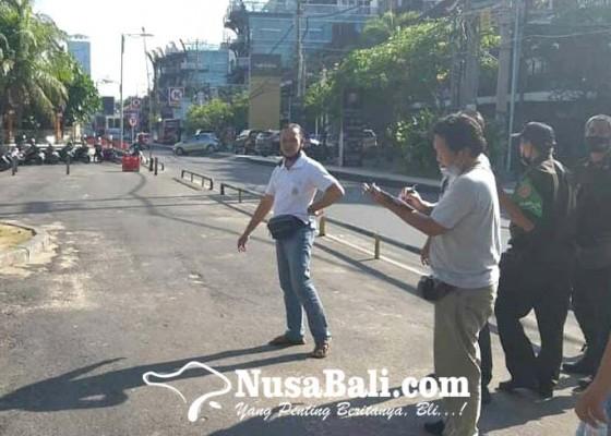 Nusabali.com - kantong-parkir-disulap-jadi-tempat-berdagang