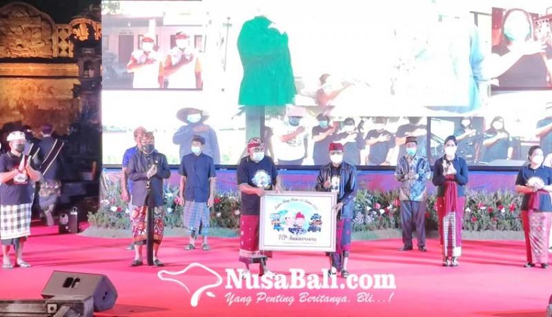 www.nusabali.com-bupati-tamba-gubernur-koster-saling-sanjung