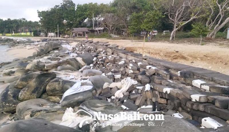 www.nusabali.com-gelombang-tinggi-pantai-selagan-nusa-dua-alami-abrasi