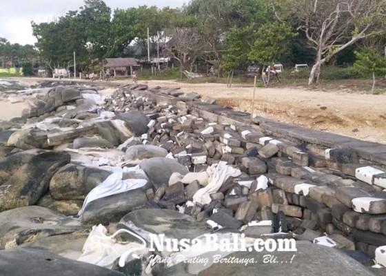 Nusabali.com - gelombang-tinggi-pantai-selagan-nusa-dua-alami-abrasi