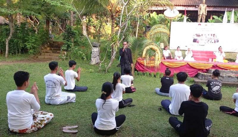 www.nusabali.com-ashram-gandhi-gelar-pelatihan-guru-yoga