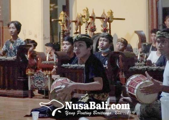Nusabali.com - sanggar-dharmawangsa-klungkung-siapkan-penampilan-terbaik-di-pergelaran-topeng-prembon-pkb-xliii2021