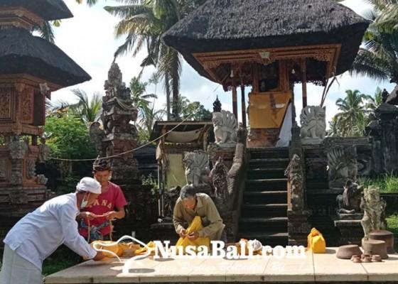 Nusabali.com - pratima-yang-permatanya-sudah-dijarah-ditemukan-tergeletak-di-tanah