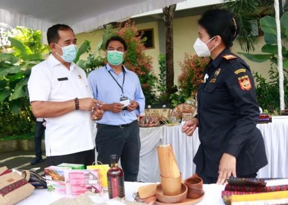 Nusabali.com - puluhan-umkm-klungkung-pamerkan-produk-lokal